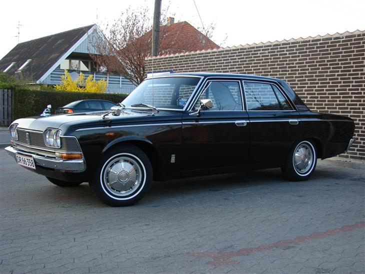 toyota-crown-2300-deluxe-s_