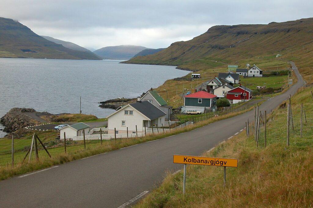 Kolbanargjógv_Faroe_Islands